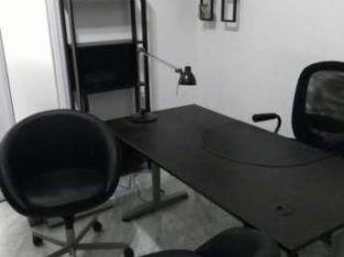 مكتب للبيع