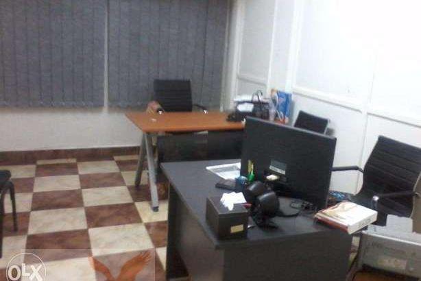 حجره مكتب دون فرش للايجار موقع مميز