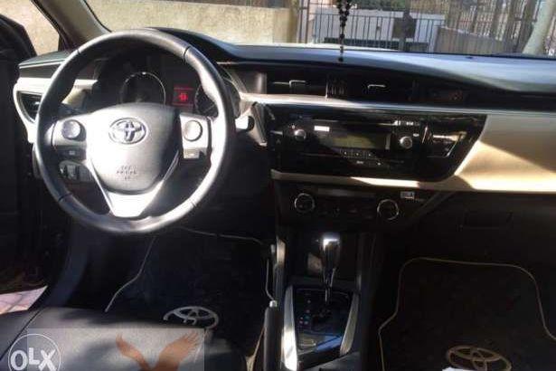 سيارة تويوتا كورولا للبيع