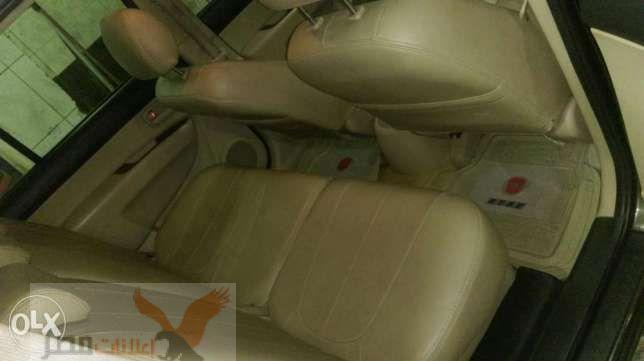 سيارة كيا كارينز للبيع