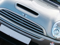 mini-cooper-s-grill-closeup-1545738