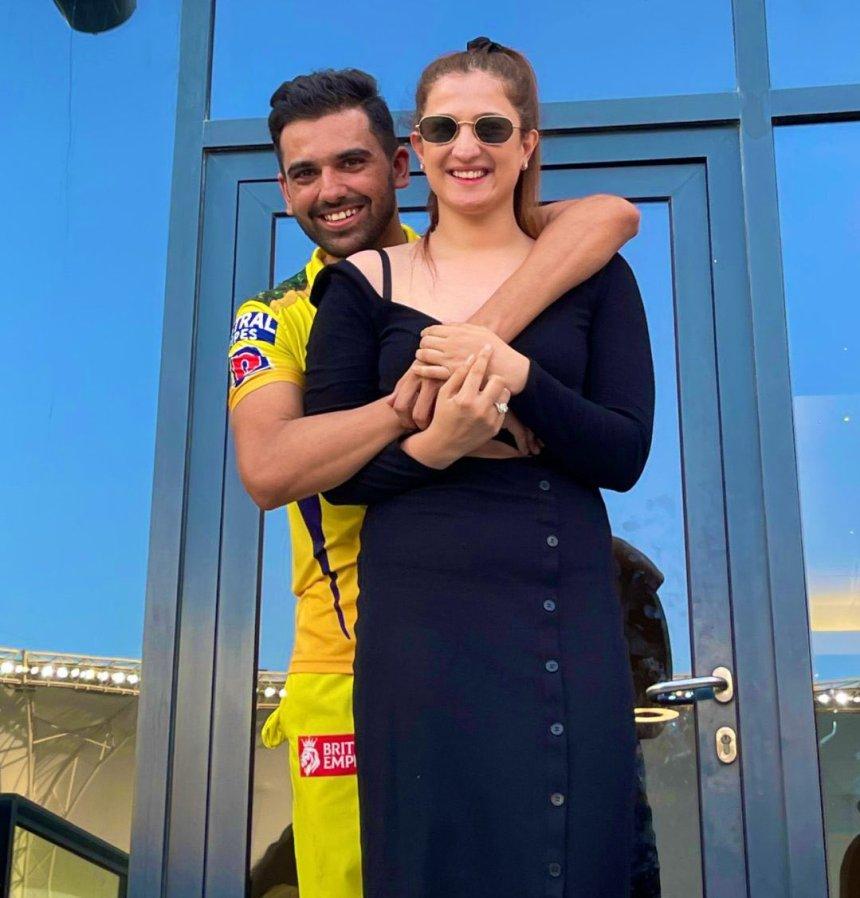 Deepak Chahar proposed his girlfriend Jaya Bhardwaj  photo
