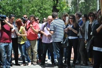 Journalists of media in Macedonia protested on May 31, 2013 and then requested freedom for Tomislav Kezarovski who was in custody after police detained him in investigation for a crime case from 2005. photo by Aleksandra Dukovska/May 31, 2013 (Archive)