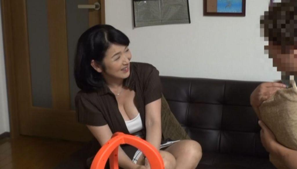50代以上 ド熟女限定!!デカチン見せつけ軟派、連れ込みセックス盗撮「奥さん、知らない間にAV出演してますよ」03 (一人目 ノリコさん)上島美都子
