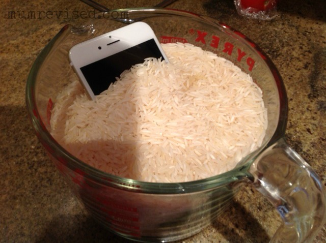 phone on rice