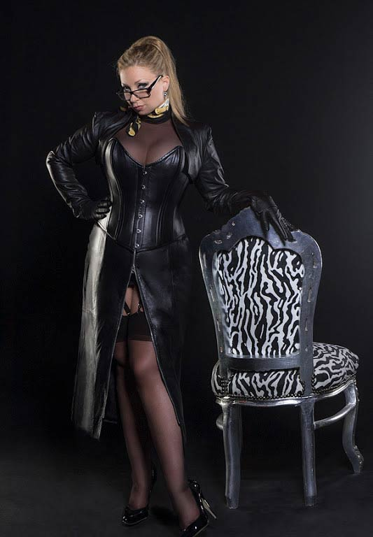 Mistress of a cuckolded submissive