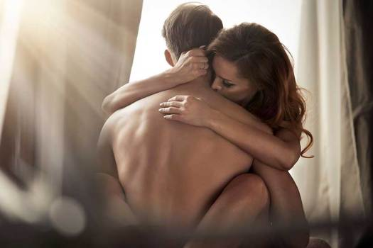 Seducing date to have sex
