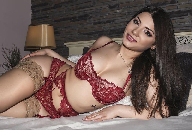 Gorgeous Streamate Webcam Model SarahFiery