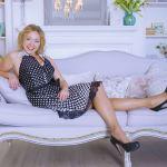 Flexible Blond Webcam Girl SimonaMartina