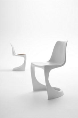 Der erste in einem Stück hergestellte Stuhl wieder in Produktion