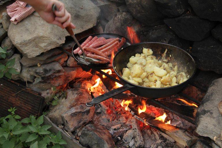 German Bratkartoffels + Currywurst