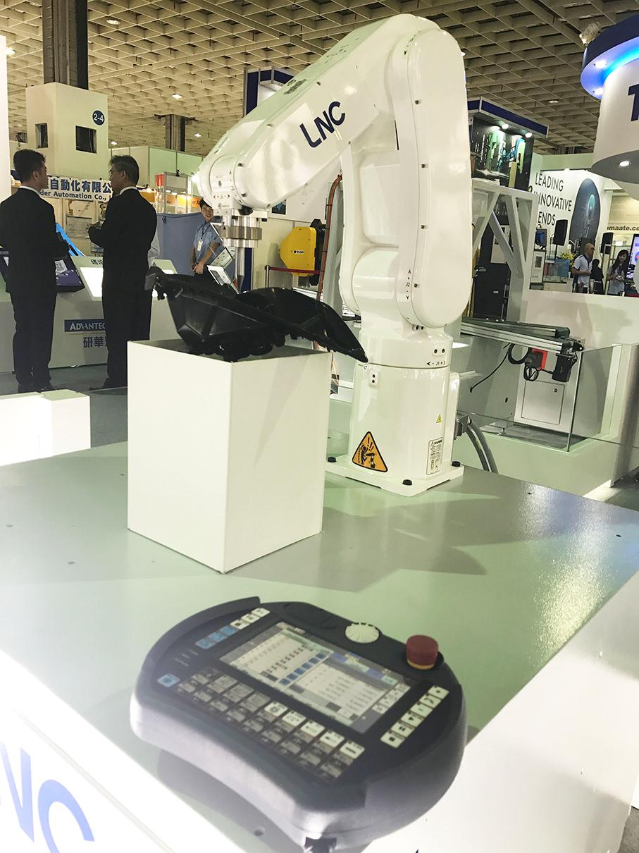 寶元數控將於2018Tairos展出多項智慧機器人指標性控制技術-LNC