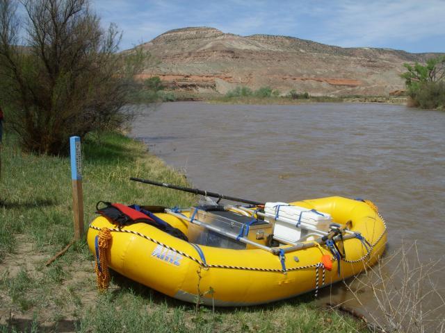 5-09-09-gunnison_raft+005.jpg