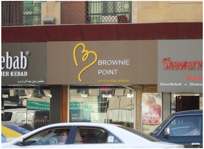 How Signage Solves Customer Problems?