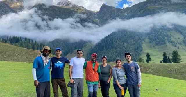 Kashmir Great Lakes SUpport staff and group