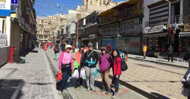 chadar trek_adventure pulse_leh market