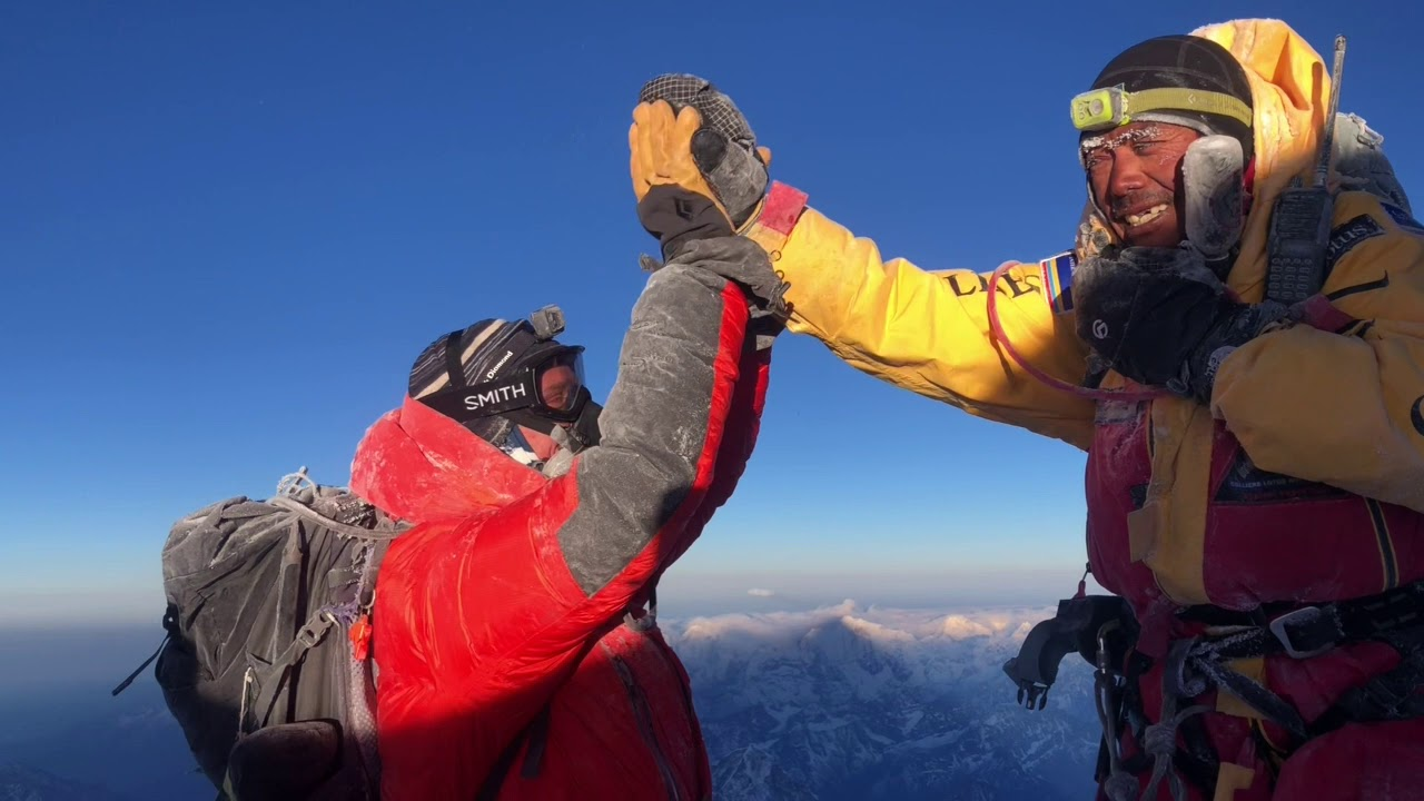 Video: Climbing to the Summit of Mt. Everest in 2019