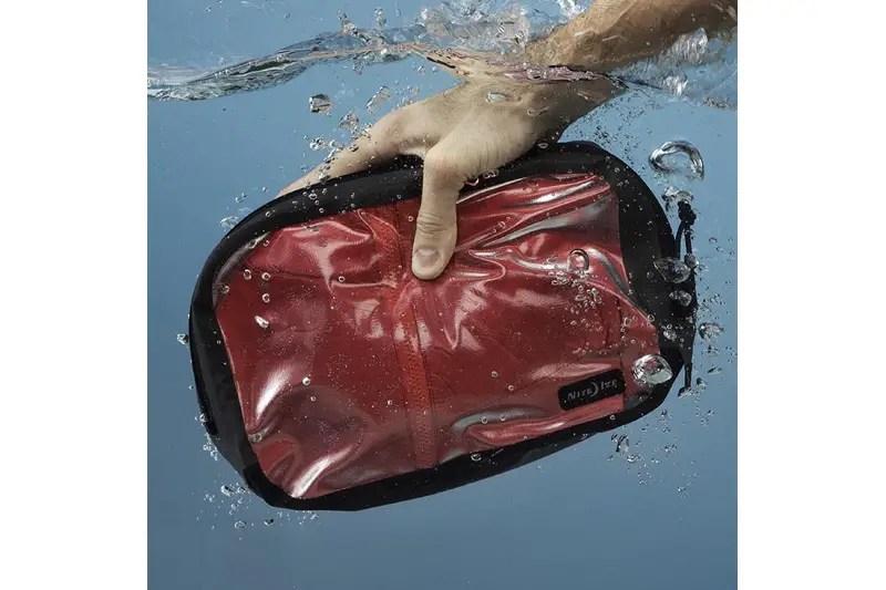 Gear Closet: Nite Ize RunOff Waterproof Packing Cube Review