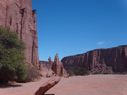 Stunning sceneries all around...Did I mention it was hot?!