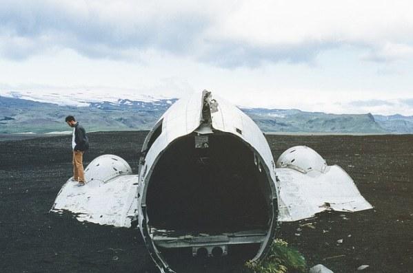 飛行機墜落イメージ写真