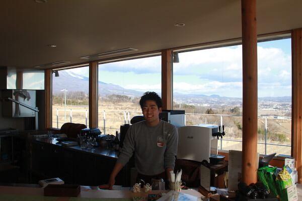 醸造家の富岡さんの写真