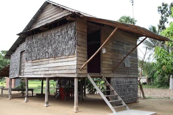 高床式の家の写真