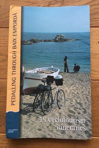 サイクリングに役立つ本の写真
