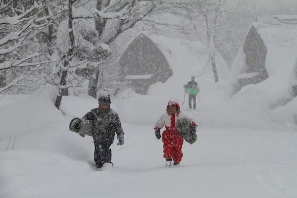 豪雪を体験する写真