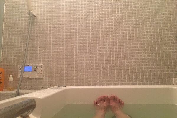 お風呂に入っている写真