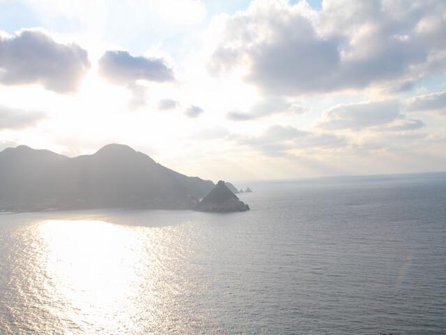 矢堅目の夕陽を眺める写真