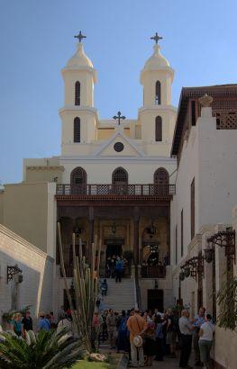 800px-kairo_hanging_church_bw_1