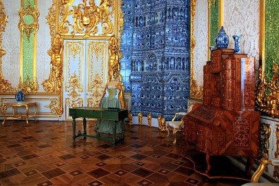 green-dining-room-at-catherine-palace-in-tsarskoye-selo