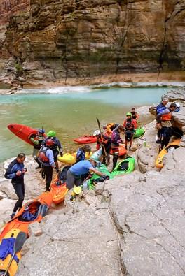 Kayakers at the mouth of Havasu Creek.