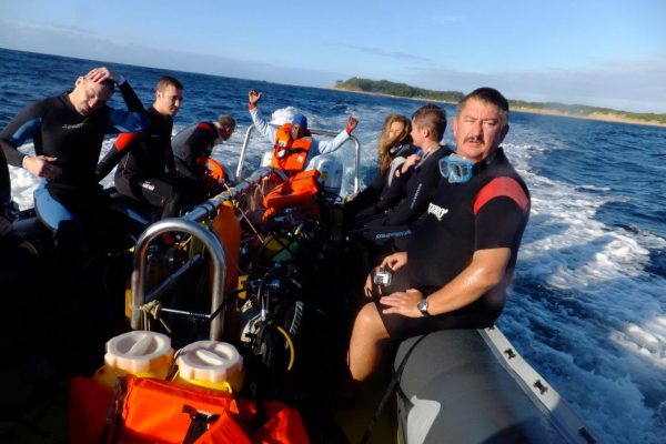 Peter's looking quite excited for this dive!!