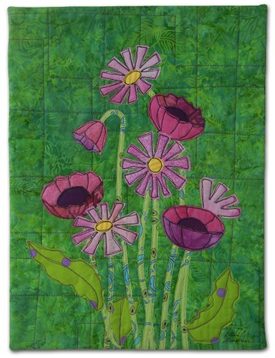 "Class sample for Ellen Lindner's ""Floral Improv."" AdventureQuilter.com"