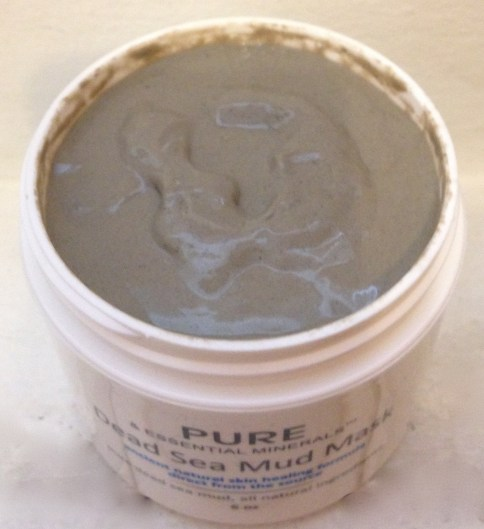 Pure & Essential Minerals   Deep Sea Mud Mask Review