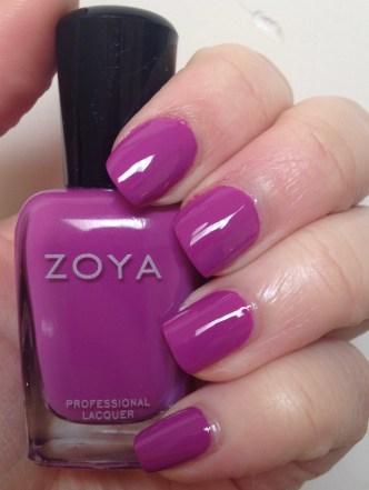 Zoya – Liv