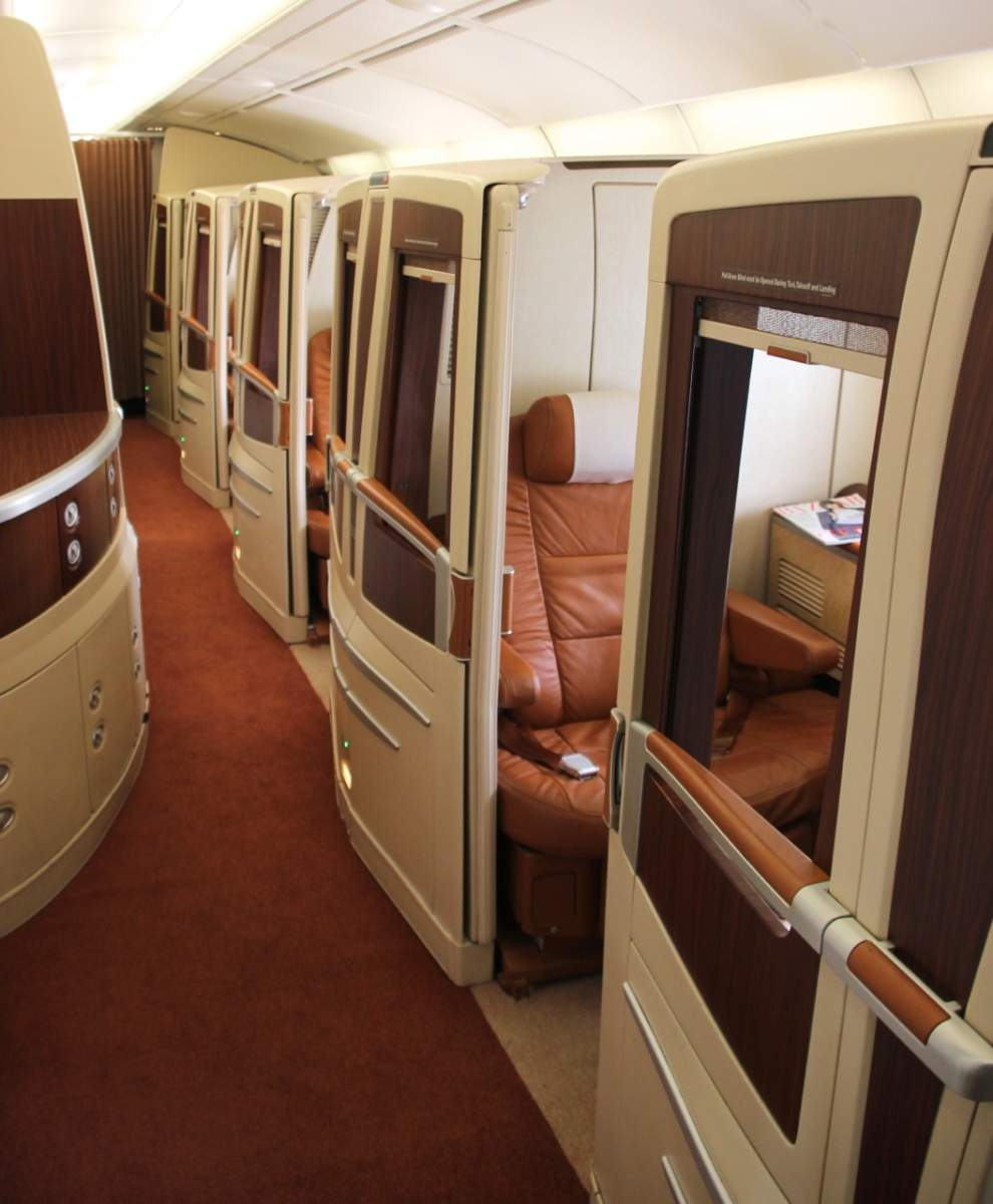 Singapore airlines suites class review adventuresaa for First class suite airline