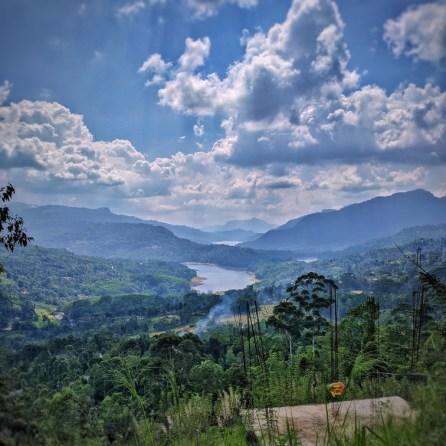 Na Kandy reden we door richting Nuwara Elya, het uitzicht werd er niet slechter op
