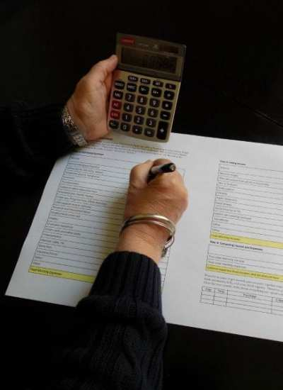4 Tips For Cutting Back On Family Expenses