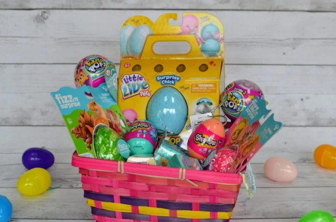 Surprise Packs Add Egg-citement to Any Easter Basket