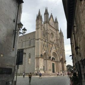 Duomo-orvieto-adventures-in-italy