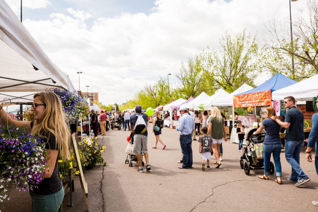 Farmers Market crowd - Adventures in NanaLand
