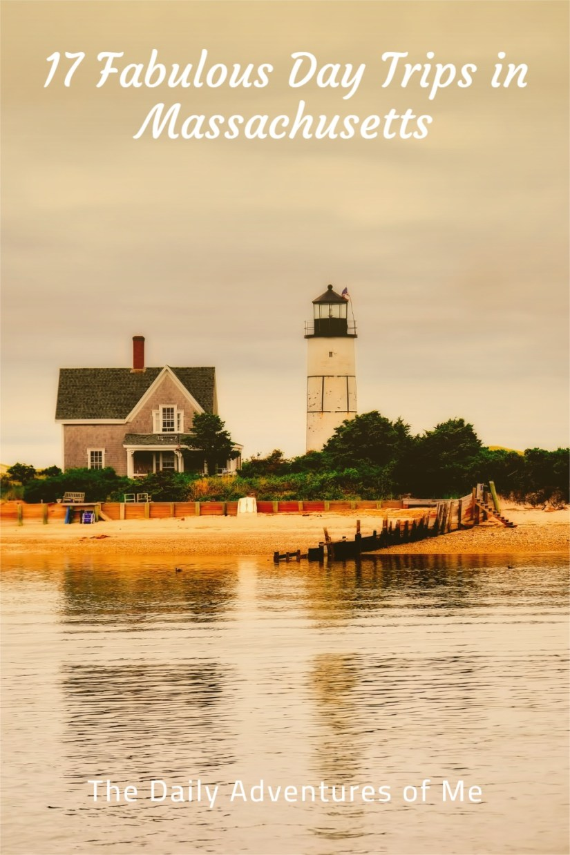 Use Boston as a home base to take day trips around New England. Drive to New Hampshire, around Masschusetts, to Connecticut and Rhode Island with these day trips from Boston. #daytripsfromBoston #onedayinNewEngland #USA