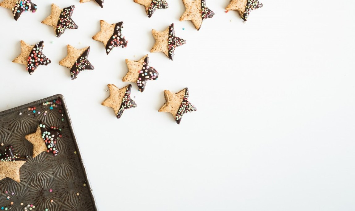 star shaped cookies with sprinkles