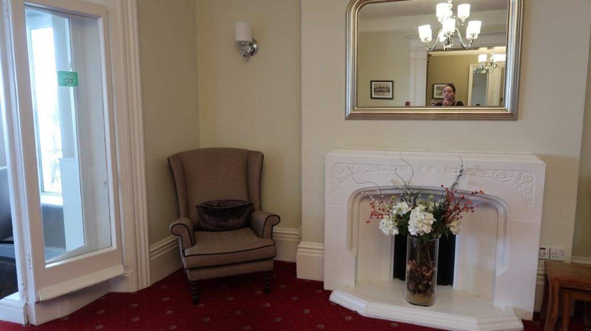 lounge area Ommaroo Hotel In Jersey