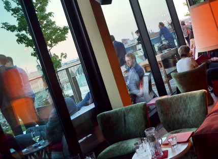 25hours hotel vienna dachboden bar