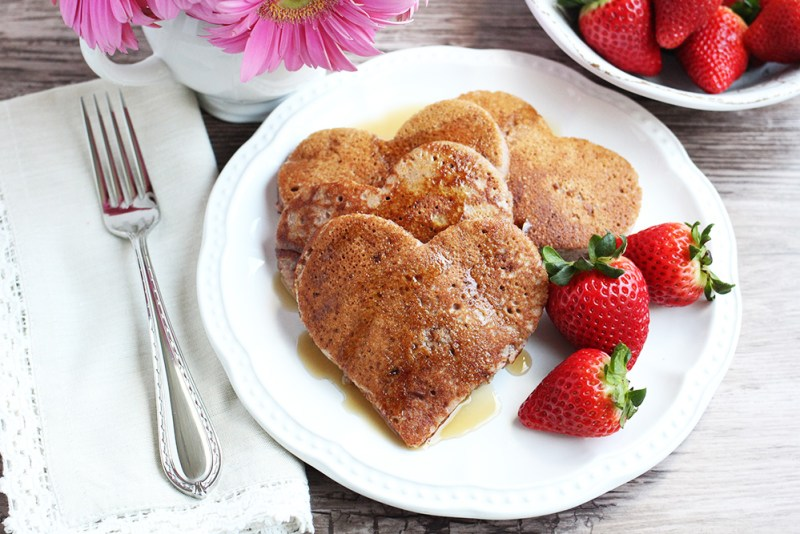 Paleo Strawberry Pancakes (Made with Cassava Flour)
