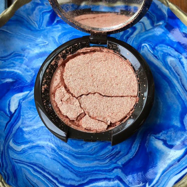 Becca Shimmering Skin Perfector Pressed Highlighter broken sample | Play! by Sephora