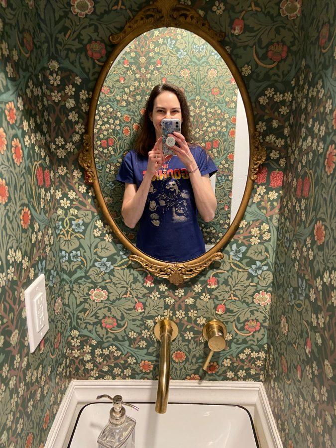 adorable Airbnb bathroom wallpaper